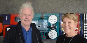 Björn Larsson, som driver Bio Kontrast, och Camilla Mattsson,  utbildningssamordnare på Hantverkslärling, engagerade sig i hantverksfilmfestivalen.
