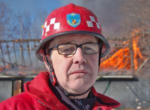 Rune Daniels, räddningschef i Rättvik och ansvarig för det traditionella nyårsfyrverkeriet vid Långbryggan.
