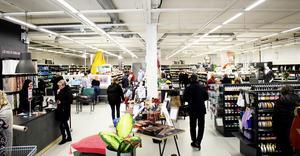 Stoff & Stil är ett danskt företag som nu finns på fyra platser i Sverige, Malmö, Stockholm, Göteborg och Västerås.