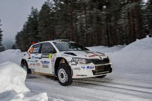 Joakim Roman i sin Skoda Fabia R5 i svenska rallyt i fjol.