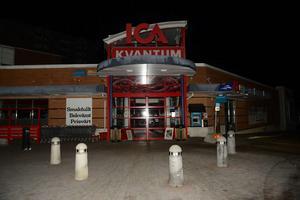 Ica Kvantum i Nacksta drabbades av strömavbrottet och stängde butiken.