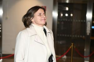 Isabella Lövin (MP) ska inte behöva ta politiskt ansvar för sin man.