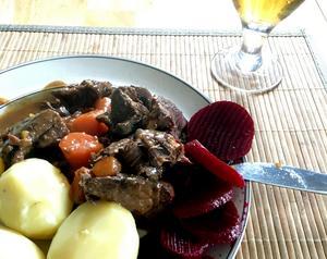 Skånsk kalops går även  utmärkt att gör på älgkött.