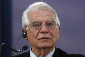 EU:s utrikeschef, Josep Borell, gjorde bort sig i Moskva, skriver Karin Karlsbro (L).