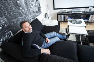 Björn Bjurinder från Gullänget var nära på att köpa ett hus med höga radonvärden. Nu vill han varna andra husköpare.