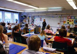 Eleverna hade många frågor på lager, och utifrån frågorna styrdes besöket.