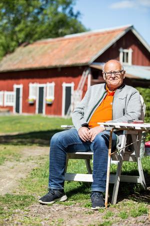Stig ärvde föräldrahemmet i Ekeby i Stora Mellösa efter sina föräldrar. En gång i tiden var det växthus där och det var också pappa Lennarts första jobb. - När det sen blev till salu tyckte han att det var kul att ta över stället, säger Stig.