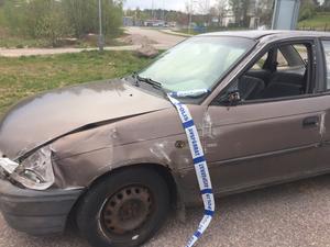 Krockskadad bil som hade voltat av vägen i Tranås.