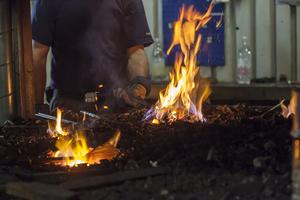 Att smida medans järnet är varmt är ett gammalt ordspråk. Några deltagare berättade att det var svårt.