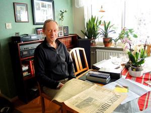 Owe Jacobsson har fått ärva en  hel del korrespondens och tidningsartiklar om den exotiska blomman Säterinkan av sin far som ibland kallades Inka-Erik.