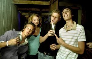 2005. Per-David Lögdah, Emma Gyllenswärd, Filip Boholm och Christian Simonsson på Konrad. Foto: Per Crona