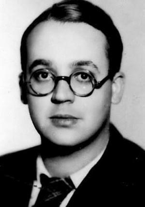 Robert Brasillach var en annan av de ledande franska fascistiska intellektuella under mellankrigstiden och andra världskriget. Han avrättades som straff för att ha kollaborerat med nazisterna. Bilden är tagen 1938 av okänd fotograf.