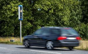 """""""Mimmi tänkaren"""" önskar att dagens fartkameror utvecklas så att det blir svårare att köra för fort på våra vägar utanm att upptäckas. Foto:  Marcus Ericsson/TT"""