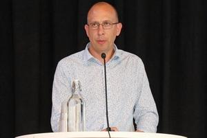 Kommunstyrelsens ordförande i Hallsberg, Magnus Andersson, svara på en insändare om delade turer i Hallsberg.