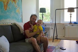Johan Samuelsson fick ett nytt perspektiv på livet efter sonen Colins födelse.