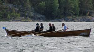 Laget som ror Doris af Gräsö är tävlingens mest erfarna sett till de sammanlagda antal gånger besättningsmännen har medverkat. Foto: Malena Andersson