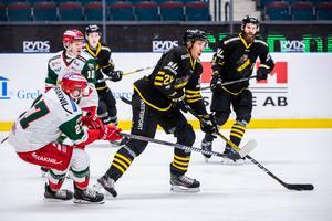 En utvisning för late hit blev Brant Harris facit från debutmatchen mot AIK. Bild: Maxim Thoré/Bildbyrån