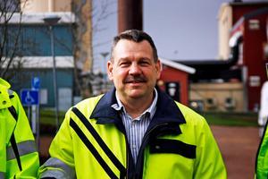 Anders Engdahl är tillförordnad vd på Hedemora Energi. Han berättar att man den senaste tiden har haft det lite trångt i sina lokaler på Ivarshyttevägen. De senaste sex åren har man växt och gått från 49 till 63 anställda.