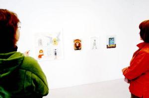 På Galleri Remi glänser konstnärerna i kapp och det är kul att se på konsten som en slags apetizer inför en intressant och kommande höst 2010.Foto: Henrik Flygare