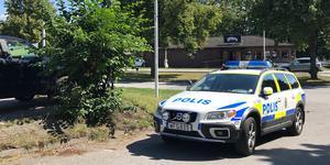 Polis, ambulans och räddningstjänst larmades fram till olyckan på Bergaholmsvägen.
