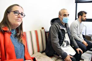– Jag försöker alltid lyfta kurdernas situation, säger Bodil Valero, här tillsammans med Yüksel Koç och Hüssein Sahin som hungerstrejkar i Strasbourg.