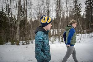 Viggos mamma Lina Hammar har förgäves försökt att lösa problemet med skolskjutsen.