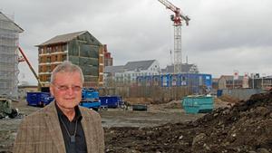 Arkitekt Hans Eek hoppas att en anläggning för solel i större skala kan bli verklighet på Öster Mälarstrand.