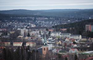 E4 skär genom Örnsköldsvik stad.