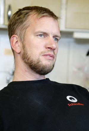 Jonas Högdahl, kassör i vägföreningen i Hallen.