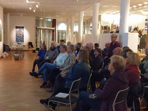 Dryga trettiotalet släktforskare och historiskt intresserade var på plats. Fotograf: Agneta Sjöberg