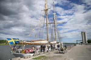 HMS Falken ritades av en av Svenska Kryssarklubbens grundare, Tore Herlin, i mitten av 40-talet.