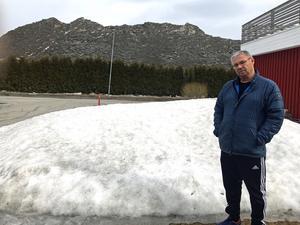 Åke Eriksson hoppas att kommunen i alla fall inte tillåter en snötipp någon mer gång