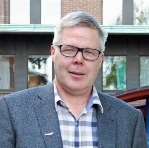 Vänsterpartiet står utanför den nya majoriteten. Leif Lindström (V) lämnar nu den politiska arenan i Borlänge kommun.