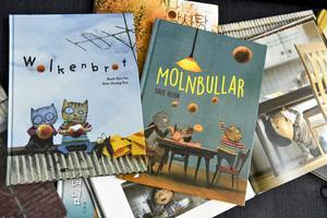 Vi behöver tidigt stimulera barns språkutveckling, skriver artikelförfattarna. Foto: Claudio Bresciani / TT.