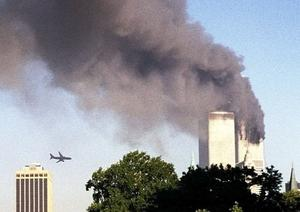 Ändrade historien. Det andra flygplanet är på väg att träffa skyskrapan den 11 september.foto: scanpix