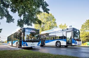 Insändarskribenten vill kunna påverkar busstrafiken i Örebro län.