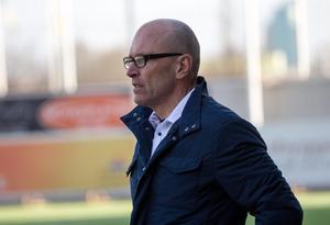 Tor-Arne Fredheim tvingas bort från Västerås SK trots serieledning.