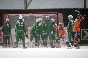 Bollnäsjubel efter Patrik Nilssons mål på hörna.