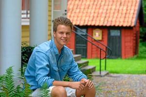 I lördags åkte Salasonen Victor Carlsson, 18 år, till Kanada för att spela juniorhockey. De senaste åren har målvakten representerat Uppsalaklubben Almtuna. Foto: Niclas Bergwall