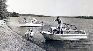 Bad vid Stora Sandskär 1989.