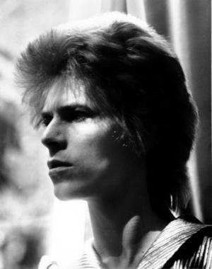 I oktober 1969 börjar David Bowie klättra på listorna med låten