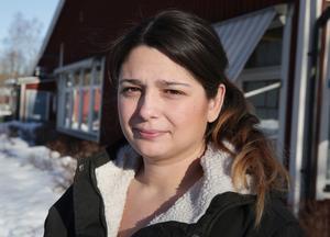 """""""Vad är det som är så akut? Varför har man fått så bråttom med att utreda Hagge skola just nu"""" frågar sig Amanda Wikström."""