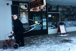 Butiken i Centrumhuset var fortfarande avspärrad under onsdagen, i väntan på att polisen ska genomför en teknisk undersökning i lokalen.