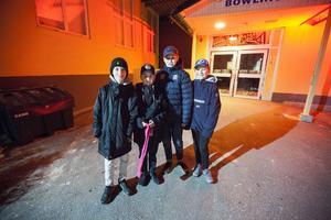 Arvid Rådström, Charlie Stenquist, Melwin Roos och Ted Edling var på plats två timmar innan öppning för att vara först i kön.