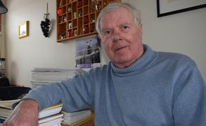 Göran Rogström i renoverade hemmet i stadsdelen Gamla Herrgården i Falun.
