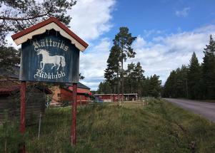 Rättviks ridklubb, som ligger strax intill vägen, har gjort många påstötningar om hastigheten förbi ridskolan. Nu tycks det ge resultat.