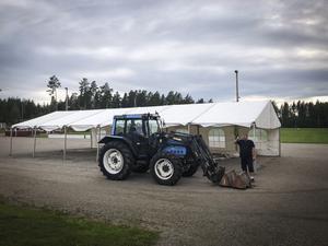 Foto: Privat. Förberededelserna är i full gång på Trönö IP.