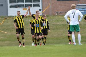 Bleart Ugzmajli, till vänster, gjorde Kubens mål i 1–1-matchen mot Alsen.