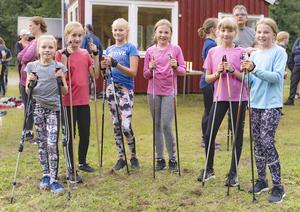 Ett gäng tjejer som alla var jättenöjda med engcons aktivitetsdag. Från vänster: Elvira Barnerud, Lovisa Roos, Emma Appelblad Larsson, Venla Annerstedt, Jennifer Texmo och Nellie Annerstedt. Foto: Sten Strömgren
