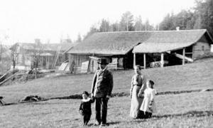 Den Bobergska gården i Skuggarvets utanför Falun vilken fortfarande finns i släktens ägo. Foto: Privat.